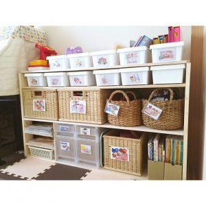 DIYした棚 おもちゃ収納 和室 セリアのボックス ニトリのボックス 無印 子供に分かりやすく片付けやすいおもちゃ収納