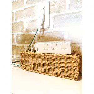 コンセント 節約タップ コンセント隠し 100円 100均 手作り 木製 コードの整理 ケーブルボックス 配線整理 配線すっきり コードすっきり ダイソー セリア DIY 手作り
