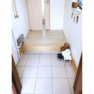 玄関 収納 手作り diy すのこ シューズラック 靴置き場 小さい 子供靴 子供のくつ 置く場所 100円 100均 ダイソー すのこ