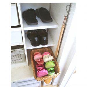 夏の必需品 サンダル ビーチサンダル 子供の靴 子供のサンダル 手作り棚 diy 収納 整理整頓 シューズクローク