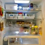【冷蔵庫】薬味チューブは壁面を使って吊り下げ収納