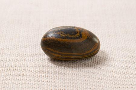 seer-stone-joseph-smith-ensign-liahona-october-2015_1512979_inl