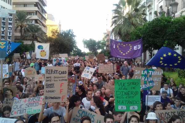 Colectivos, organizaciones y movimientos sociales se unen para exigir la Emergencia Climática al Gobierno español