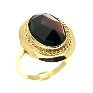 Gouden ring met granaat steen