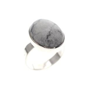 zilveren ring met howliet