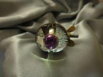 Ring 750/000 Gold handgeschmiedet roter Turmalin – Cabochon – Fundort Brasilien
