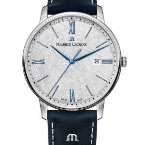 SCHLÜSSELELEMENTE DER UHR Einzigartig wie Sie selbst. Das graue Zifferblatt dieser ELIROS Date 40mm wurde handgebürstet, was jedes Stück einzigartig macht. Blaue Zeiger und Stundenmarker verleihen der Uhr einen coolen Look, der durch ein passendes blaues Band aus Vintage-Leder mit weißen Abnähern abgerundet wird. Das Quarzwerk und eine Datumsanzeige bei 3 Uhr sorgen für zuverlässige Funktionalität, die den Zeitmesser zum perfekten Begleiter im Alltag machen. Gehäuse : Edelstahl & Armband : Blaues Leder Wasserdicht bis 5 ATM 40 mm