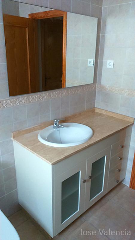 Mueble baño blanco Jose valencia carpintero