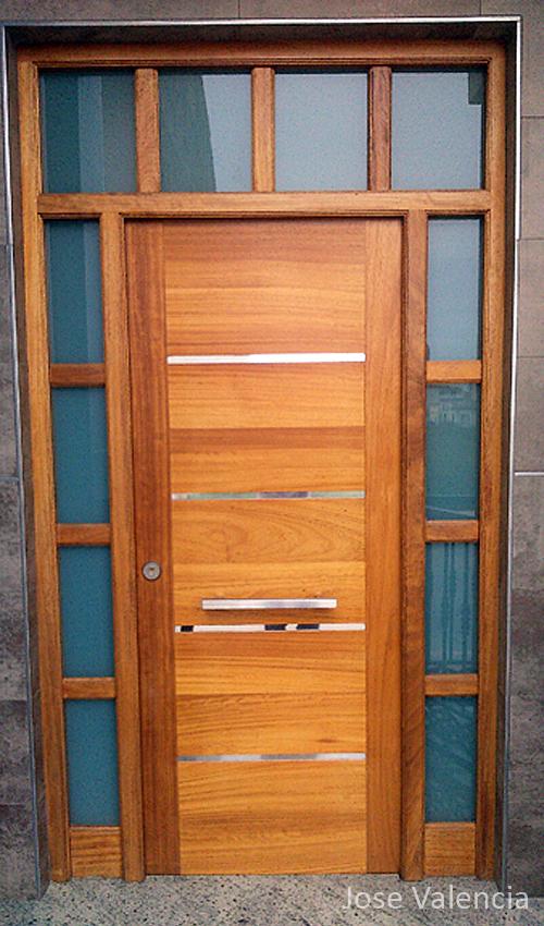 Puerta bonita de entrada Jose Valencia Carpintero