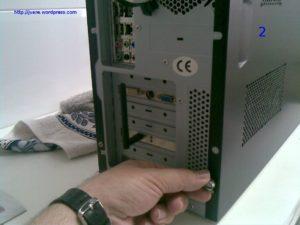Sacar tapa para poner otro disco en pc con Linux 02