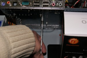 Sujetar disipador a placa 04