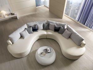 salón con sillón curveado