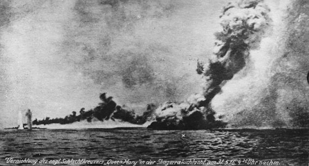 HMS Queen Mary blows up in the Battle of Jutland