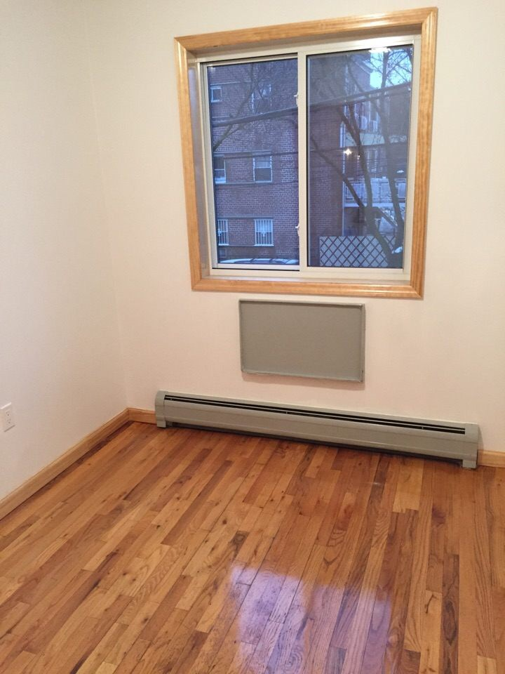 57 37 Van Horn St Queens Ny 11368 For Rent Jwong Boutique