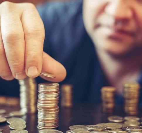 お金を賭けて稼ぐこともできるオンラインギャンブル