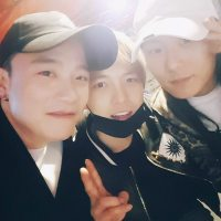 [INSTAGRAM] 170422 Kim Jaejoong Instagram Update: With Outsider & Jang Moon Bok + V