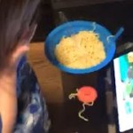 Funny Happening 3 years old Eating Ramen noodles ラーメン ハプニング