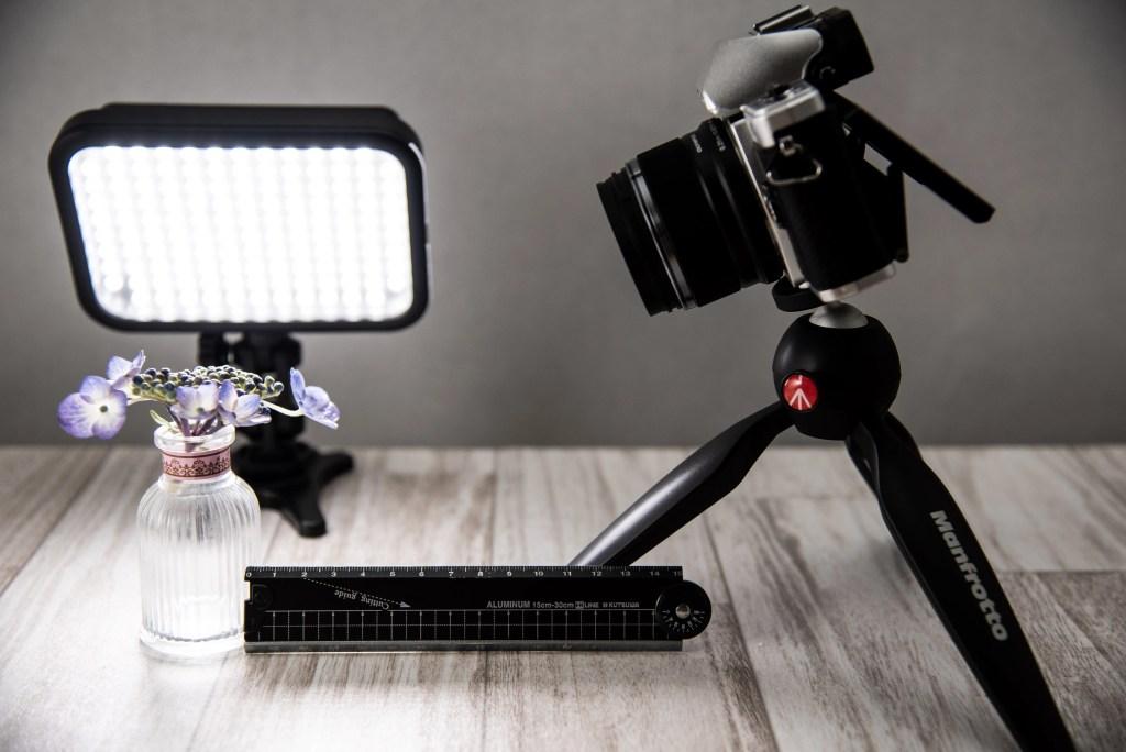 標準レンズの最短撮影距離は12センチ