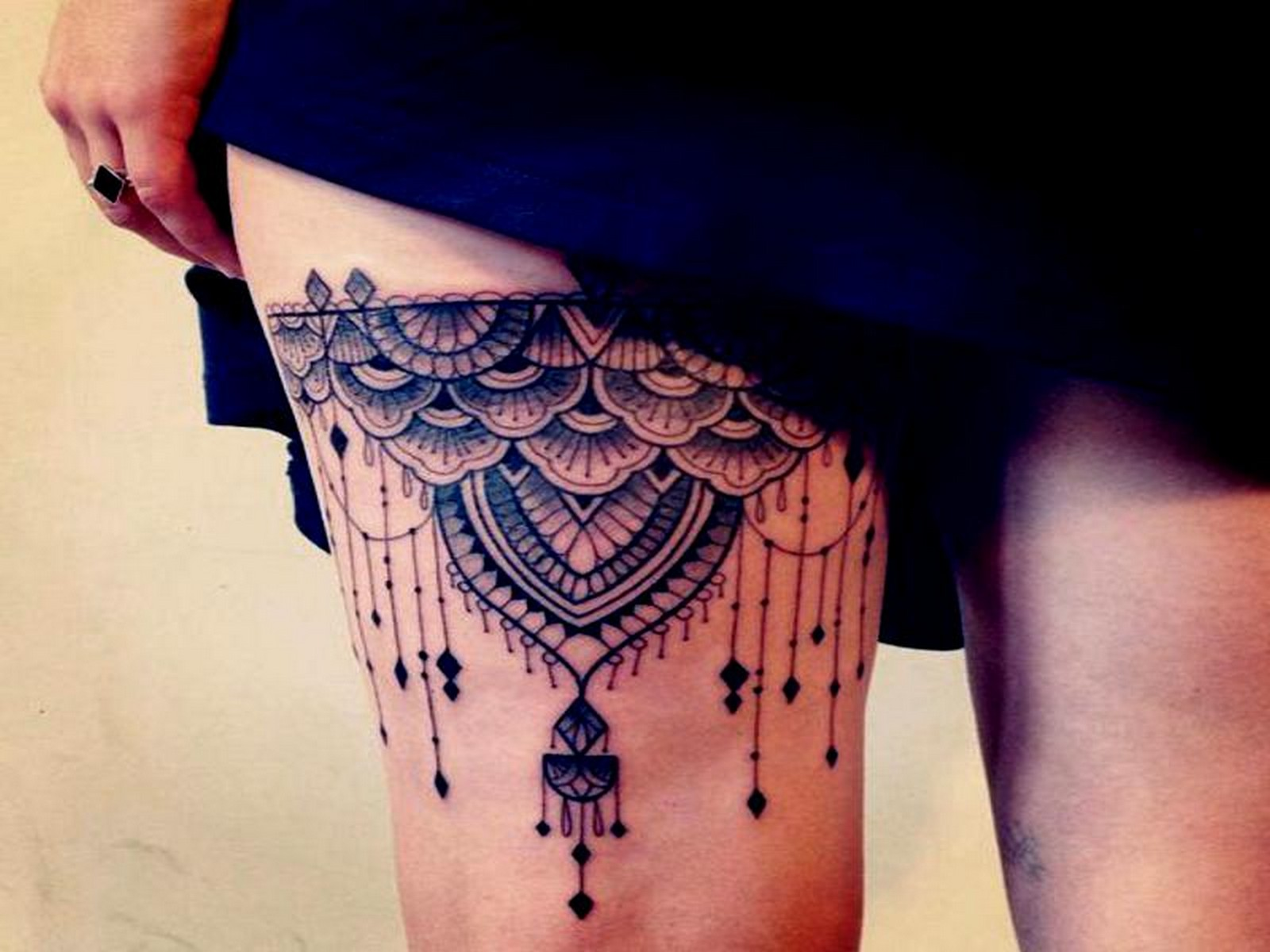 Tatuajes De Mandalas En La Pierna Para Mujer