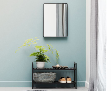 Spiegels  Ruim assortiment staande of ronde spiegels op