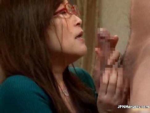 性欲が限界まで溜まってしまった50代の普通のおばさんが絶倫男を雇い肉棒を咥える熟女動画画像無料サンプル