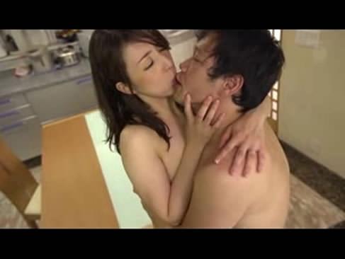 夫の留守にセフレを自宅に招く40代jyukujoの不倫動画!性欲が止まらない淫乱な人妻動画!