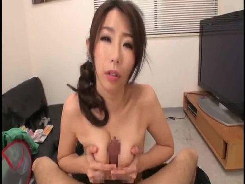 三十路熟女妻が美巨乳で義息のチンポをパイズリして射精させる塾女性雑誌3040歳体型