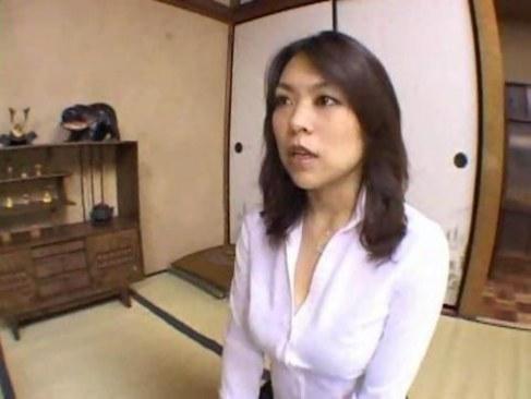 田舎の妖艶四十路熟女妻がいけない関係で本能のままにセックスしてる日活 無料yu-tyubu