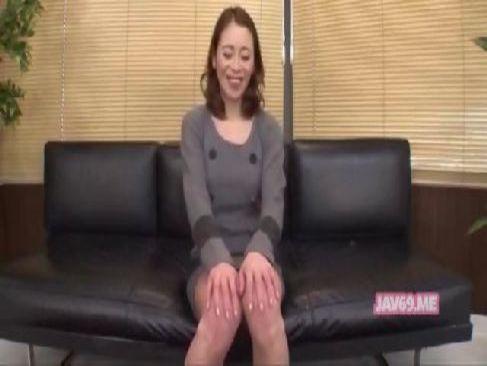 離婚したばかりの40代の美熟女がアダルトビデオに出演して綺麗なおめこを披露してるjyukujo おばさん無料動画
