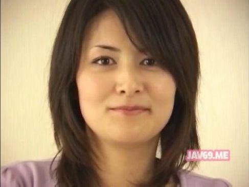 30代後半の愛嬌のある熟女妻がセンズリ鑑賞で興奮して手淫や口淫してしまうjyukujo50.com