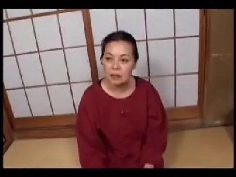 息子の友達と性交したり近親相姦する絶倫な60歳の豊満老婆がおまんこなjyukujo506070
