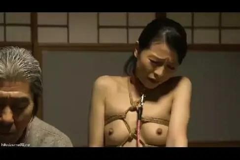 義父に調教される美熟女の人妻がおまんこにちんこを懇願する熟女動画