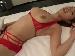 Gカップ巨乳のスレンダーな美熟女君島みおが性欲のままに激しく乱れる人妻熟女の動画