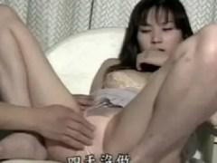 美人な人妻が脅されながら体を要求されて撮影される無修正個人撮影動画