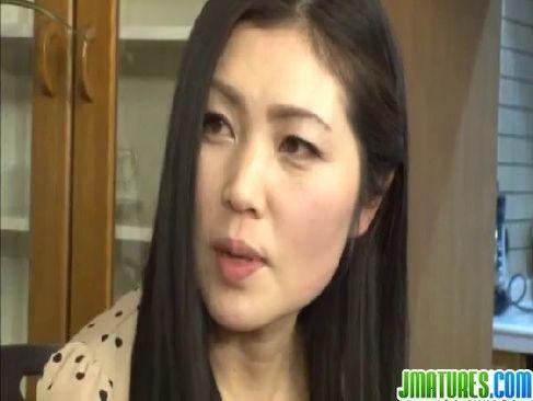 色気のある素人の五十路熟女が熟年カップルの夫婦生活に飽きて浮気するjyukujo動画画像無料