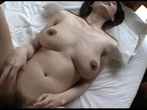 普通の地味な五十路熟女が個人撮影で垂れ乳を揺らし喘いでるおまんこな熟年の夜/50