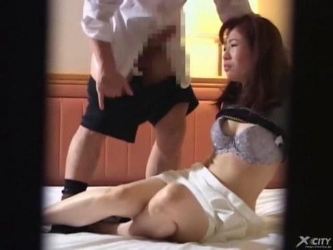 客とのいけない関係の快楽を忘れられない熟女マッサージ師の日活 無料yu-tyubu