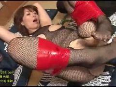 豊満な熟女の義母が息子に調教されていく熟女セックス動画
