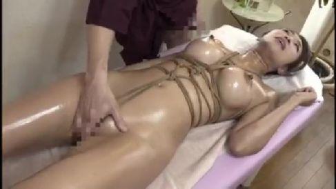 巨乳な美熟女の人妻が緊縛エステの快楽にハマり淫乱に悶える熟女セックス動画