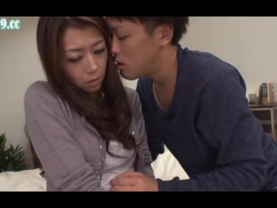 義息に押し倒されてセックスしちゃう四十路熟年女ひとずまのjyukujo動画