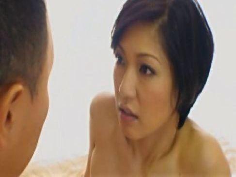 四十路の熟年夫婦がラブホテルで激しいセックスしてるオメこの中を見たい塾女性誌40歳 体型 画像 無料