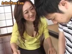 童貞にイかされちゃう三十路美熟女の熟年夫婦生活動画