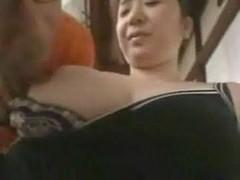 爆乳美熟女の豊満ボディを弄る熟年夫婦生活動画