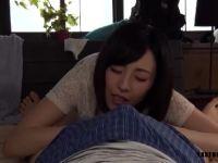 美人な妻が夫婦の営みに満足できず息子のちんぽまで欲しちゃう性欲旺盛な中年夫婦の人妻動画