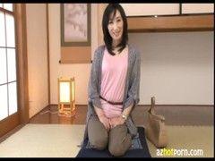 セレブ系素人美熟女妻が自宅でAV出演するjyukujo動画