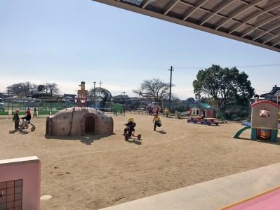 荒尾めぐみ幼稚園の園庭の写真