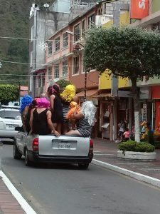 K in Motion Travel Blog. Carload Weeping Widows. Banos, Ecuador