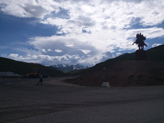K in Motion Travel Blog. Silk Road to Western Kyrgyzstan. Suusamyr