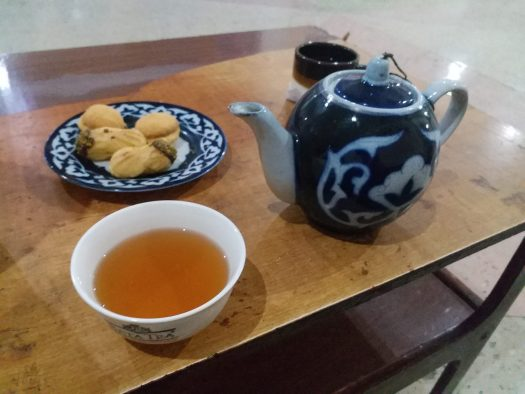 K in Motion Travel Blog. Unbelievable Uzbekistan. Dodgy Hotel Tea and Snacks