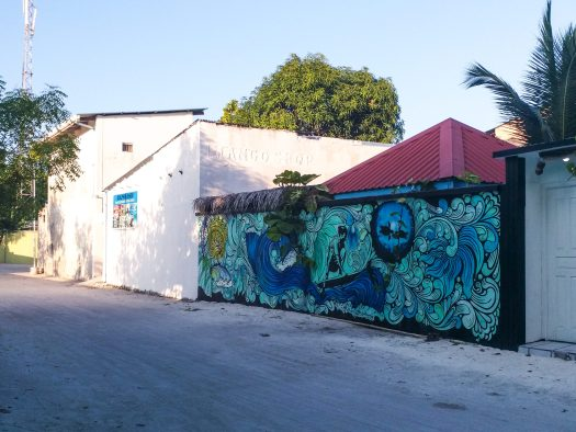 K in Motion Travel Blog. Travelling the Maldives on a Budget. Street Art on Himmafushi